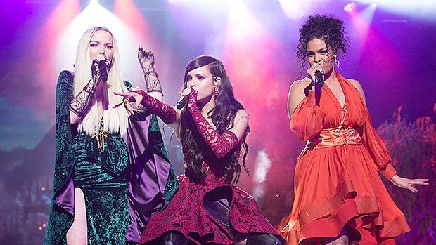 .@DoveCameron, @SofiaCarson &  cha@JordinSparksnneled their inner Sanderson sisters during their *wicked* tribute performance on the  spe#HocusPocus25thAnniversarycial! https://t.co/39kxf1zFOT