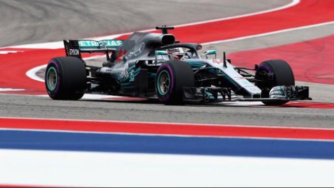 F1 Stati Uniti, Hamilton in pole le Ferrari al secondo e terzo posto #Formula1 https://t.co/JBIGsIuVmV
