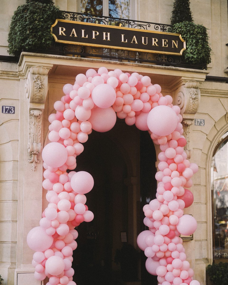 Our Saint Germain #Paris store, adorned in pink for a family brunch last week in support of #PinkPony.  Join us in the fight against cancer: https://t.co/eq9hYVsVAj