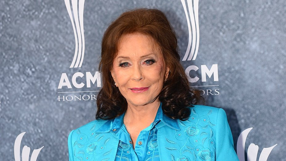 Loretta Lynn back home after hospitalization for 'serious issues' https://t.co/MAzdMrQJTO