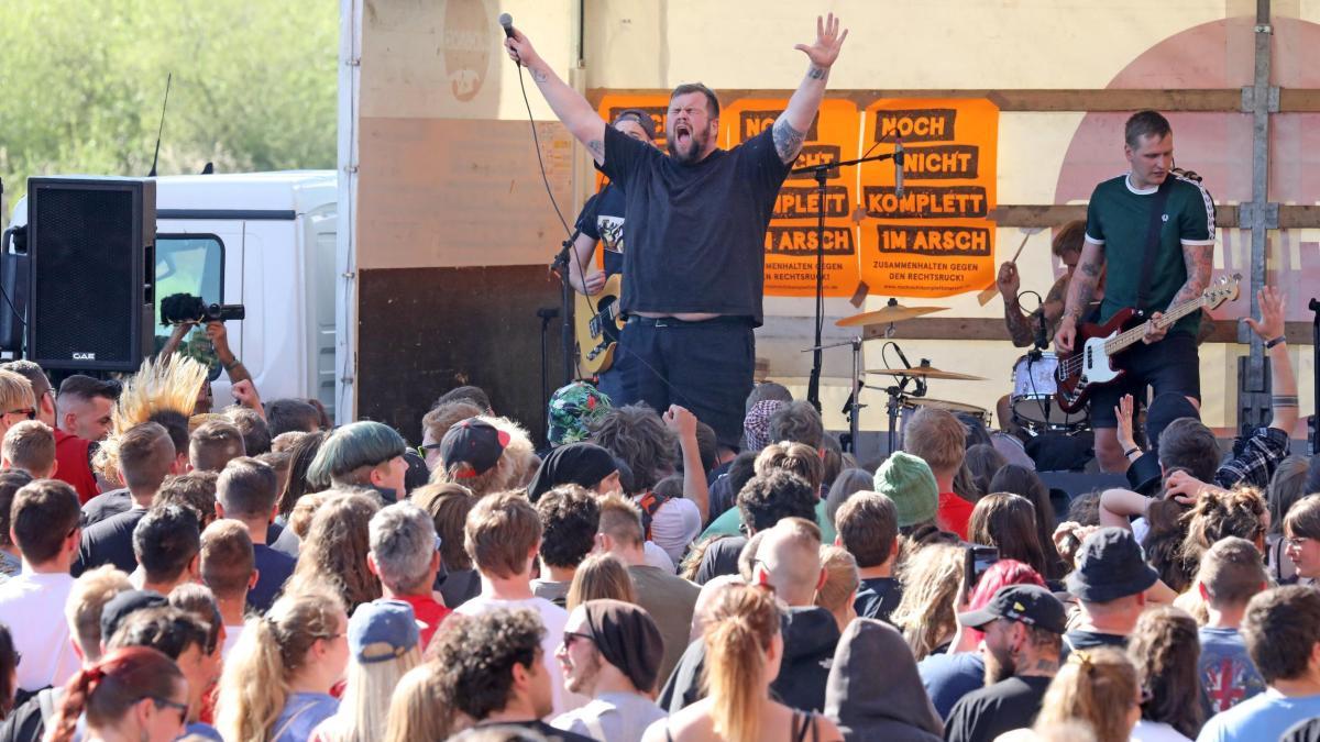 Punkband will trotz Ausladung in Dessau spielen https://t.co/tH5a61Sqn4
