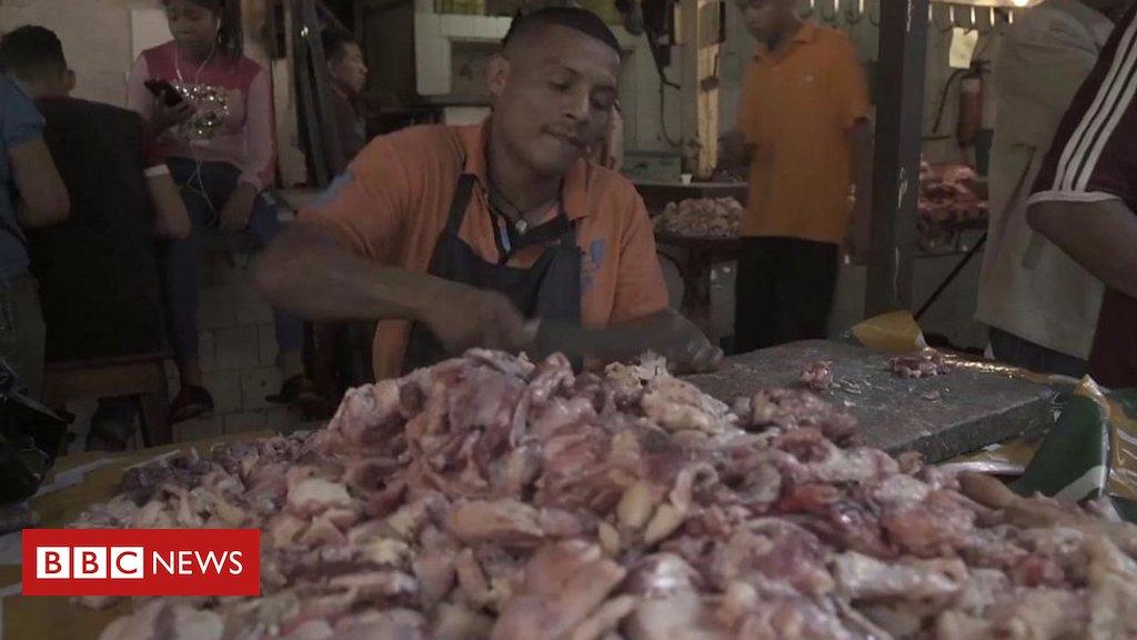 Venda de carne podre e cadáveres que explodem por falta de eletricidade são alguns dos problemas que a #Venezuela vive atualmente  https://t.co/lYSeSLaQho