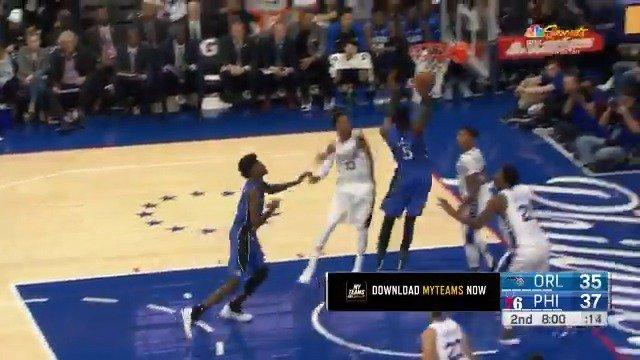 Mo Bamba reaches back to throw it down!  #PureMagic #NBARooks https://t.co/VKn1ivJSgm