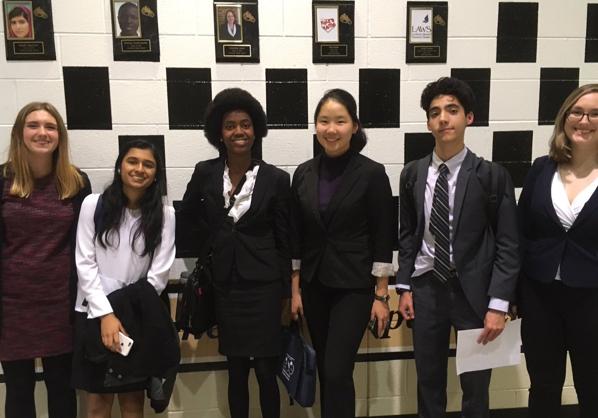 Congrats to the debate team who had a successful first tournament! Caroline and Rai won 3rd and 4th place in Varsity and qualified for Metrofinals. Congrats to Lindsey as well who earned a half-qualification to Metrofinals. <a target='_blank' href='https://t.co/uIPBgpjBb6'>https://t.co/uIPBgpjBb6</a>