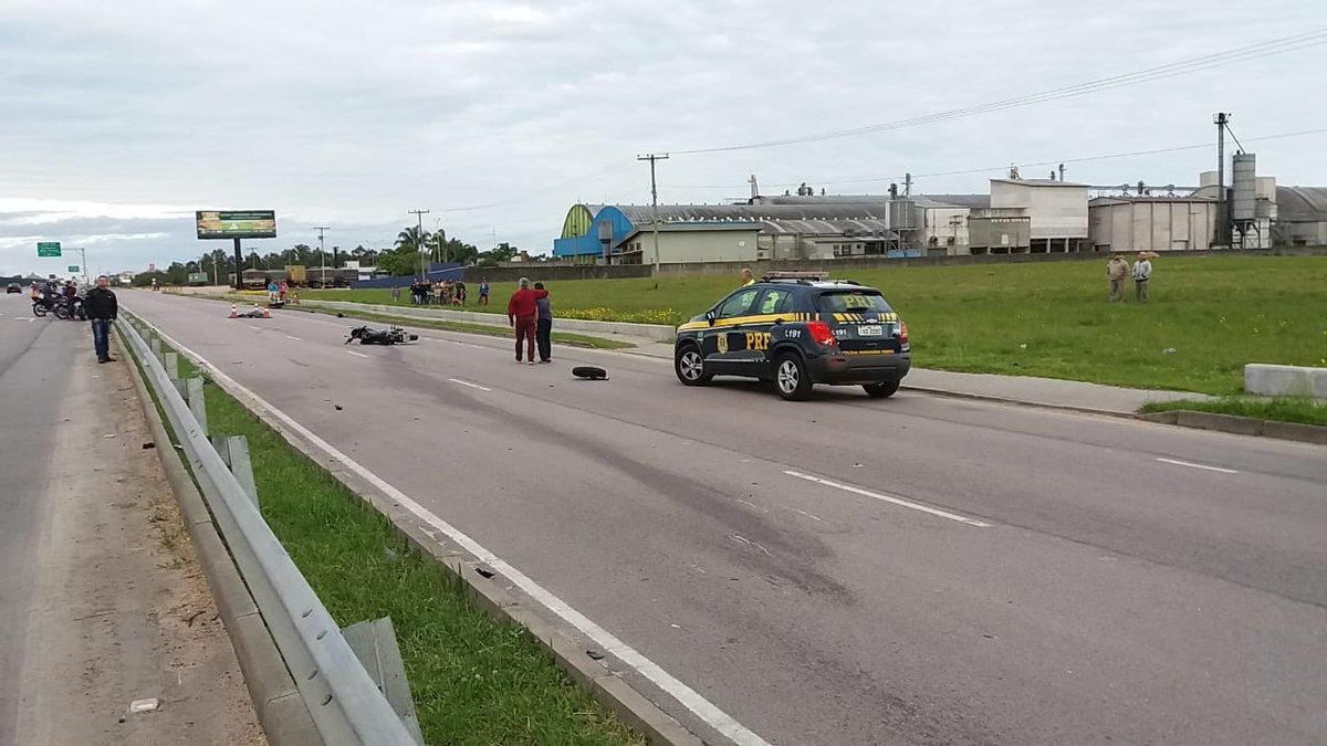 Dois motociclistas morrem em acidente na BR-116 em Pelotas https://t.co/38TARKgwmw