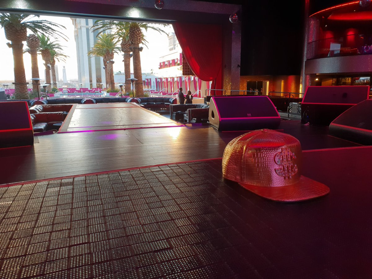 Align to the dance floor...  #EVEVegas #Permaband #drais