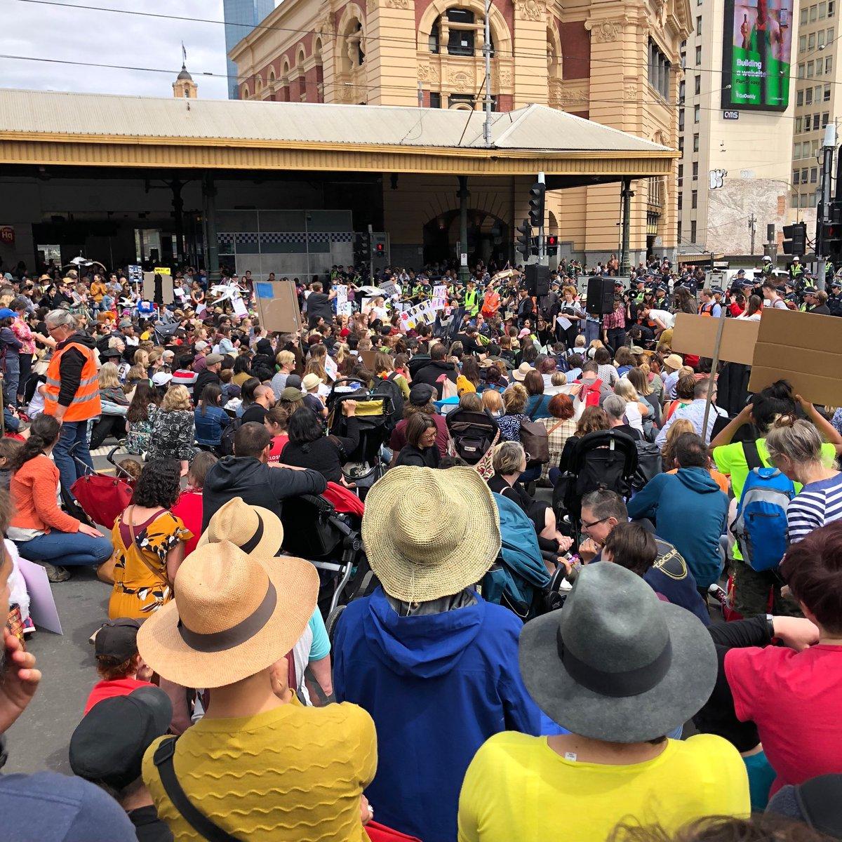 Swanston St shut down as people sit down to demand #KidsOffNauru