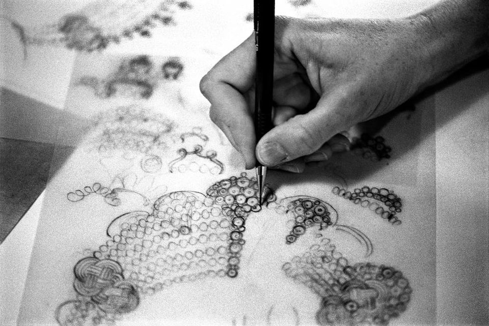 Supported by @vancleefarpels, Paris-based L'Ecole, School of Jewelry Arts is offering classes, exhibitions and workshops in New York City for a limited time only: https://t.co/yHAgChLim3