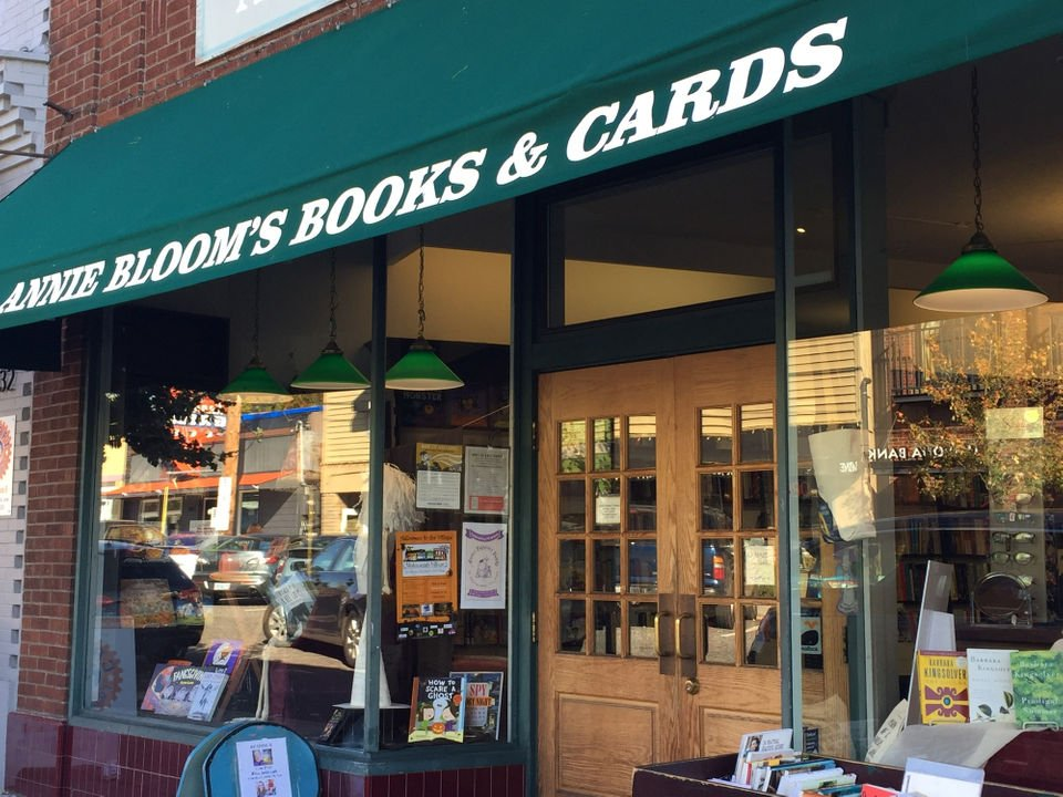 In a city that adores bookstores, Annie Bloom's Books has been feeling the love for 40 years  https://t.co/5NAZ7TXpMU