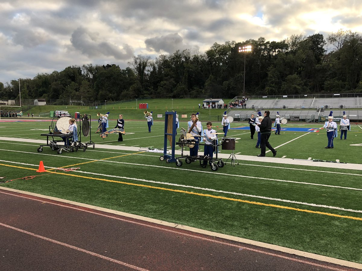 We're at McKeesport High School for tonight's Region 8 show. The first band on the field is Eisenhower High School! <br>http://pic.twitter.com/rWIw8Mk3OW
