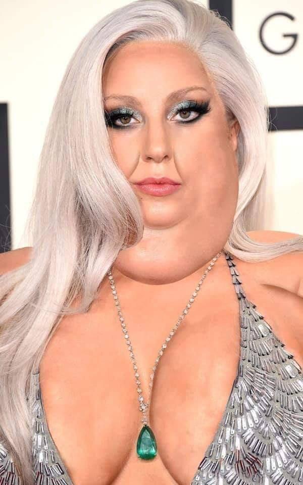 Disney needs to cast Gaga as Ursula, there&#39;s no other choice. Period. <br>http://pic.twitter.com/CkFGWim77d
