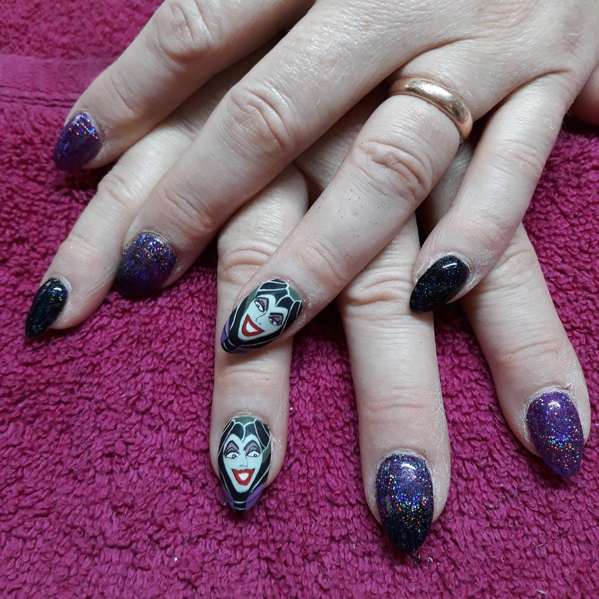 Ali Delahaye Nail Artist On Twitter Maleficent Hand