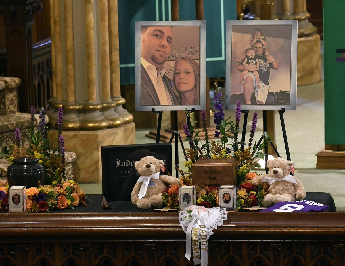 Combined funeral held for 4 sisters, 4 family members killed in NY limo crash: 2wsb.tv/2Py9m4D