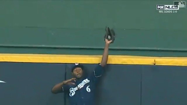 LoCain owns center field. ��  #NLCS https://t.co/5AgGzRE9q8