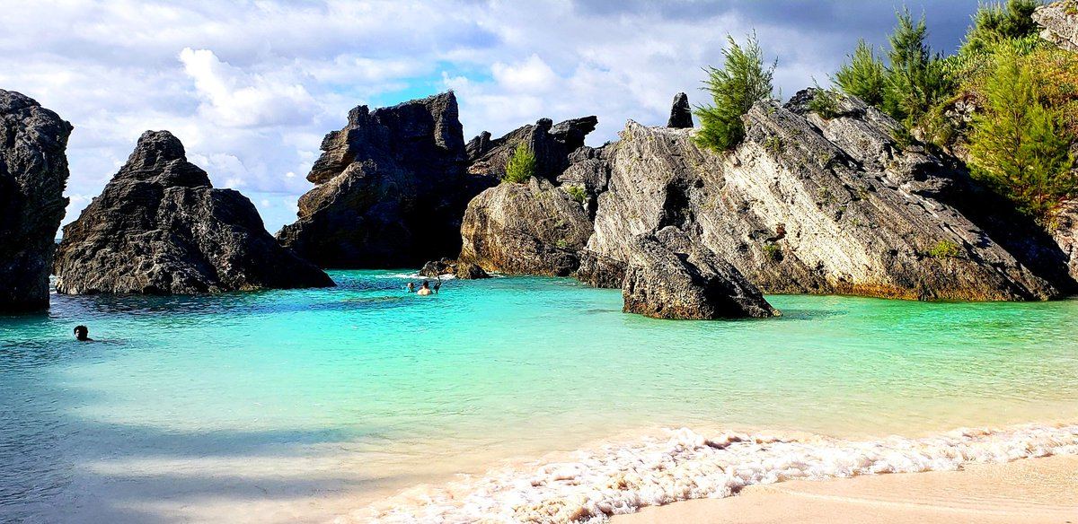 Find your own special spot in @Bermuda. So many spectacular places to explore! #travel #Bermuda https://t.co/LGBNPn7jZj