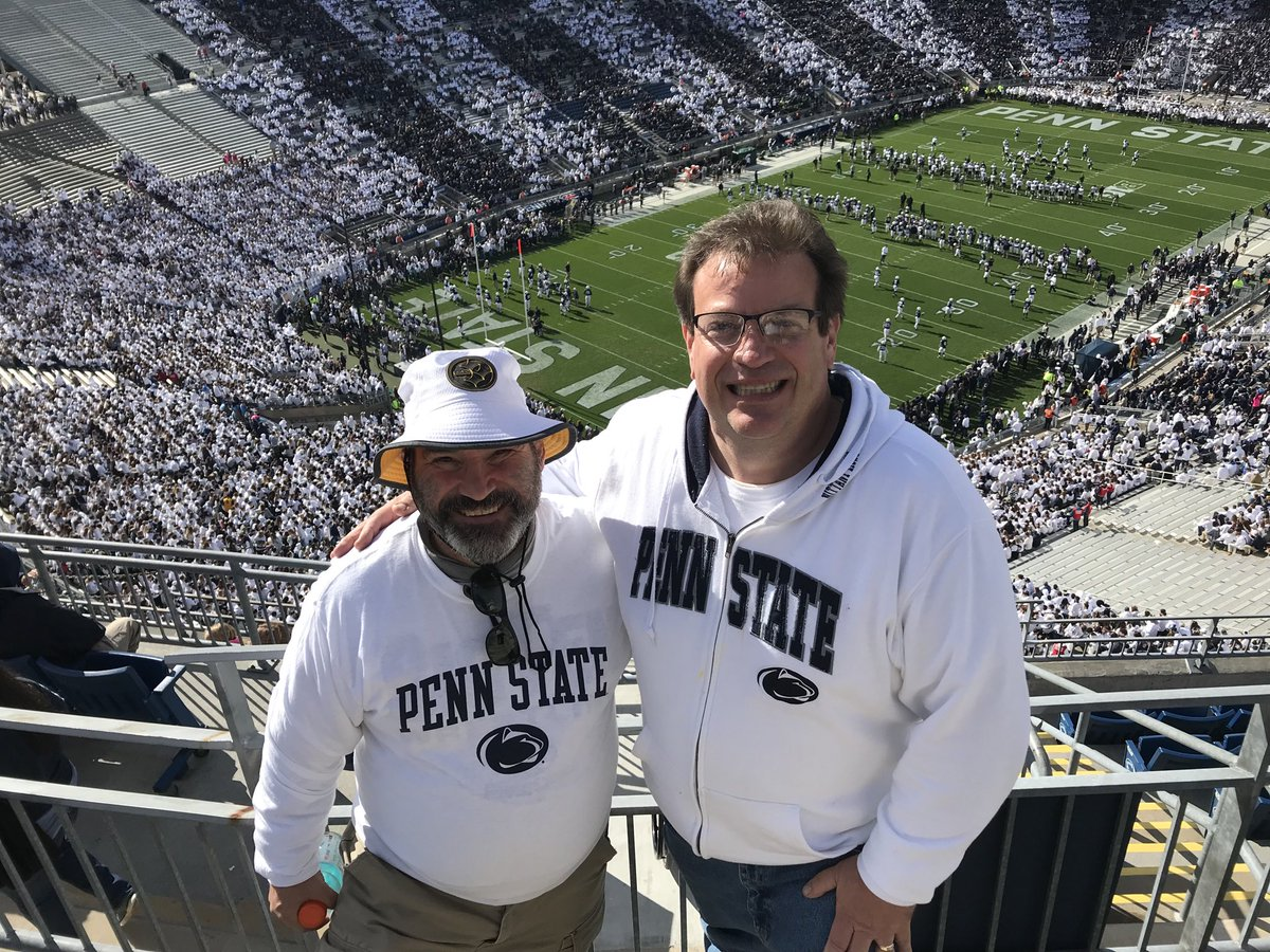 With @KenSterner at the Penn State game @Steelersdepot <br>http://pic.twitter.com/dCT2kl0rHL