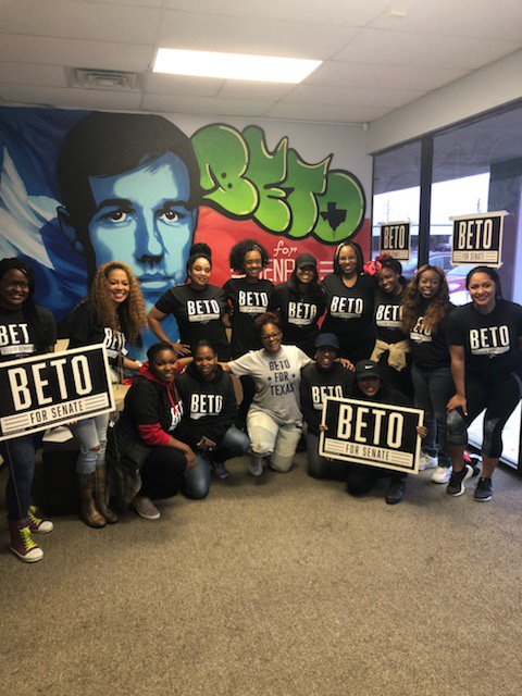 Thankful to all the Black Women for Beto supporters who came to knock in the pouring rain today! @BetoORourke #BetoforTexas #Beto #BetoForSenate <br>http://pic.twitter.com/cdhY1KzLHf &ndash; à Beto O&#39;rourke For Senate Dallas Headquarters