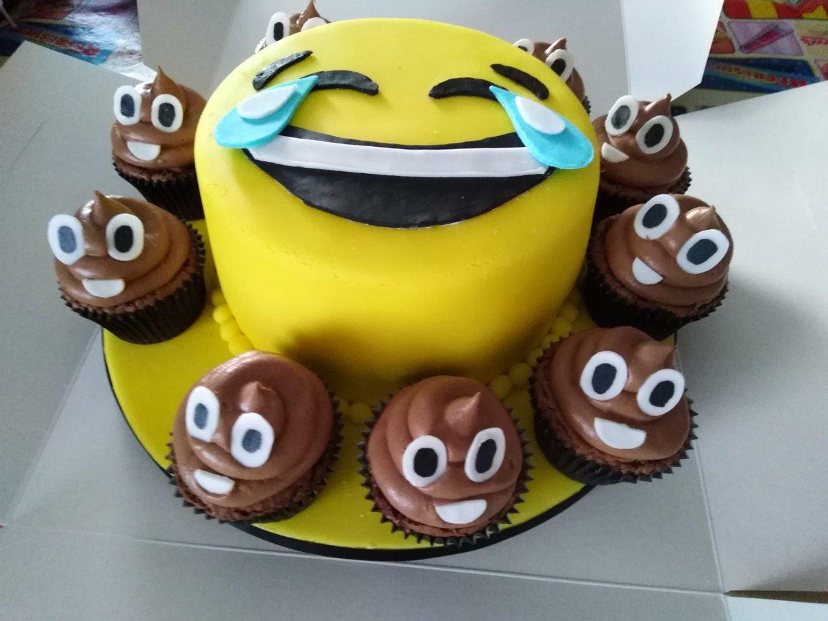 Super Lynn Shaw Mccosh On Twitter My Baby Girls 14Th Birthday Cake Personalised Birthday Cards Veneteletsinfo