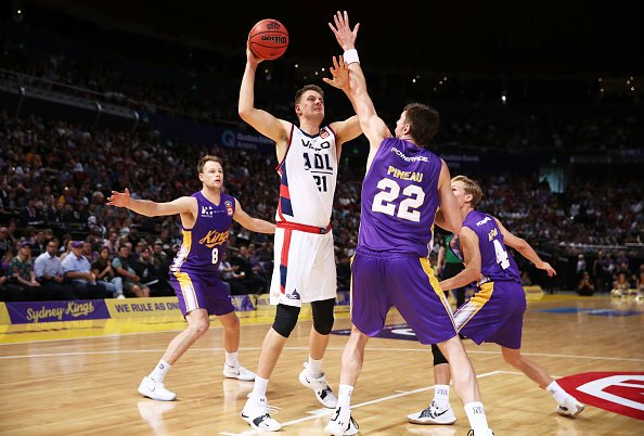 LEADING BY EXAMPLE! Named captain and vice captain, DJ and Sobes are showing their leadership. 🆚️ @PerthWildcats • Johnson - 23p/11r/1b • Sobey - 20p/2r/6a/1b 🆚️ @SydneyKings • Johnson - 22p/10r/2a/1s • Sobey - 21p/2r/4a #WeAreSixers   #NBL19 Photo
