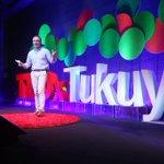 Image for the Tweet beginning: Termina #TEDxTukuy con la presentación