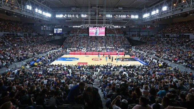 It was great to see over 10,000 fans in Qudos Bank Arena yesterday. Should be the same at @melbournearena today for the @MelbUnitedHQ home opener. Looking forward to catching my first live game of #NBL19 Photo
