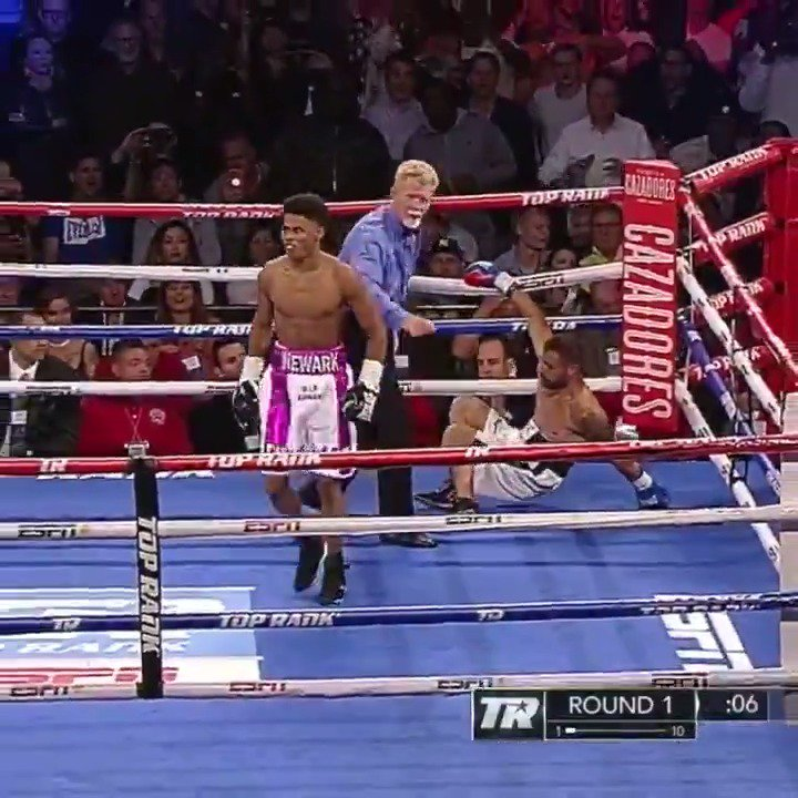 .@shakurstevenson hit 'em with the left, hit 'em with the right and that was it �� https://t.co/Gd1GaeaOUb