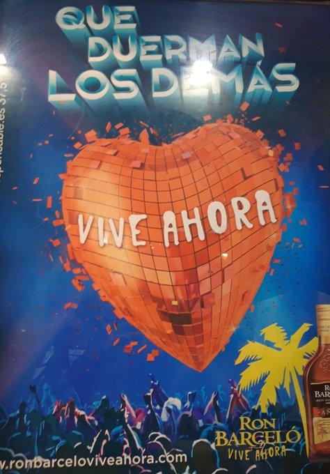 No se me olvida, Esa noche en Ibiza, En el muelle con la brisa, El flamenco y tu - Ibiza Ozuna, ft Romeo Santos- La estructura relacionada con a foto, ¿promociona marketing, fiesta, una forma de convencer, llamar masas(rt) o para nada(❤)?. @PhotoTemplvm Foto