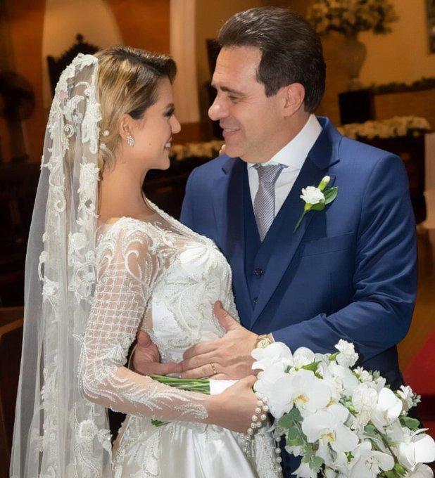 Um casalzao da p**** passando na sua timeline 💕 ( esperei muito por esse casamento senhor ) @fpelegio @becamilano #BakeOffBrasil Foto