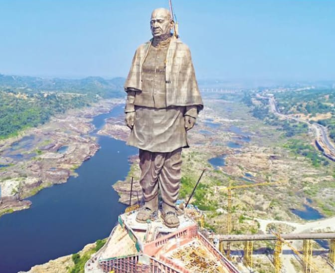 Statue of Unity , built in Narmada District of Gujarat is the tallest statue in the world , with 182 mts height. PM Modi will be unveiling the statue on 31st October. #StatueOfUnity Photo