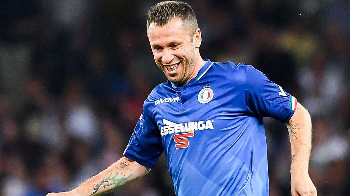 Cassano believes Inter Milan should sell Lautaro Martinez to Barcelona
