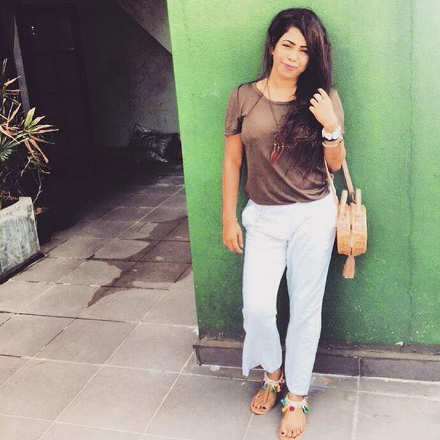 "That boho grl @christeenacloudy is in our newest bae !  ""Multi Tassel Sandals"" . . #ootd #platinumclients #feedbacksbelike #bohosandals #bohooutfits #weekendlook #bohogirl #tasselsandals #tasseltrend #trendingnow #bohostyle #madeinsrilanka #madewi… https://ift.tt/2OVhEXgpic.twitter.com/V1AL0Q2wcI"