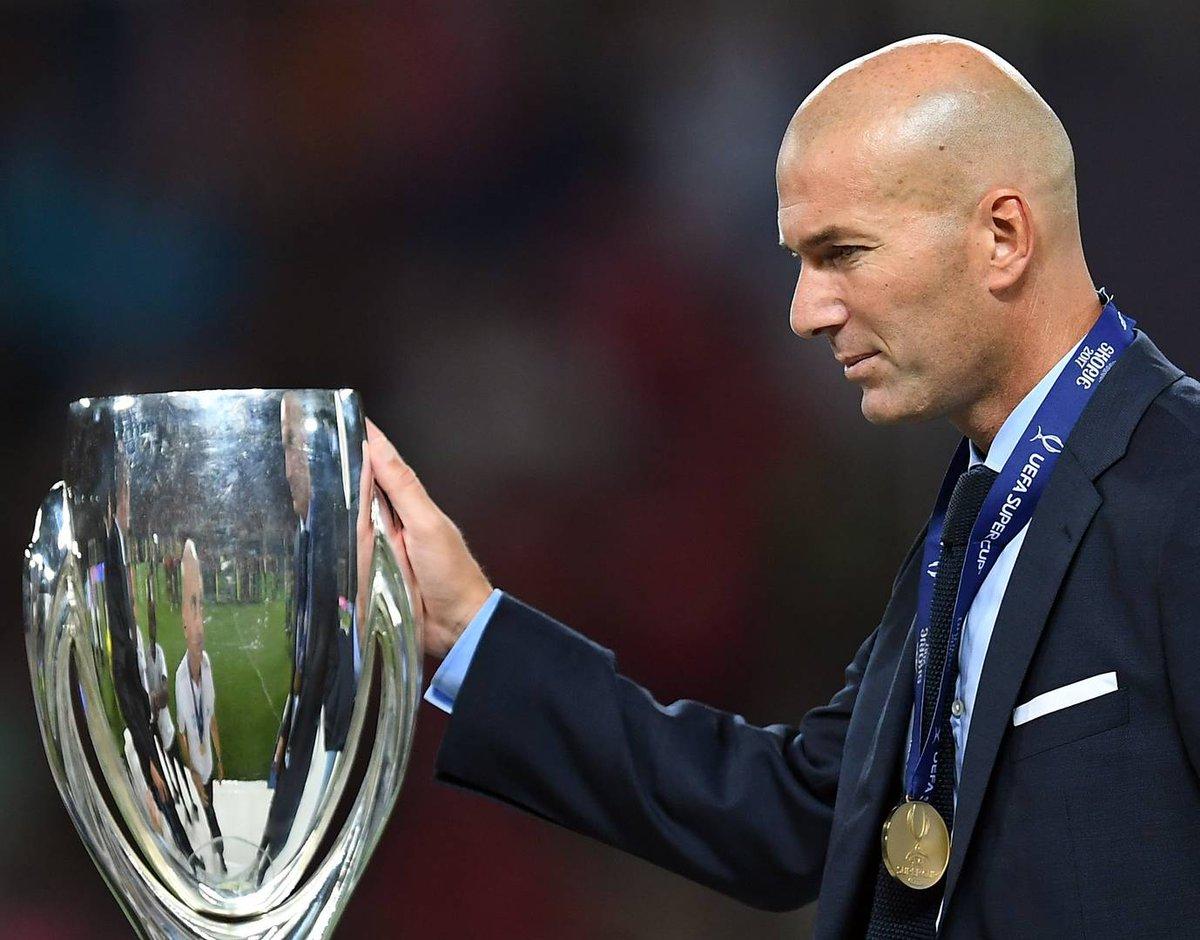 ENTREVISTA | @JoaquinTorres_V: He tenido clientes muy complicados como Zidane y otros extraordinarios como Fernando Hierro. Recuerdo que Zidane, que es un señor, acababa de llegar como un Dios y tal vez no supe lidiar con su fama. 👉 bit.ly/2Cipp2y