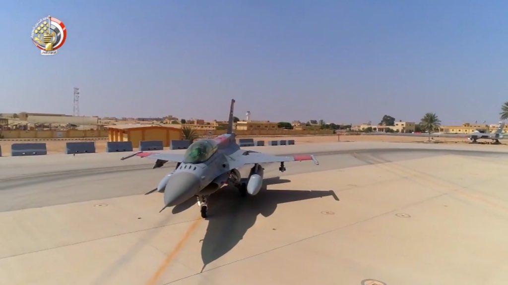 """مصر ستتسلم أربعة طائرات """"F -16"""" بنهاية أكتوبر الجاري DpdXL7dX4AEXGJT"""