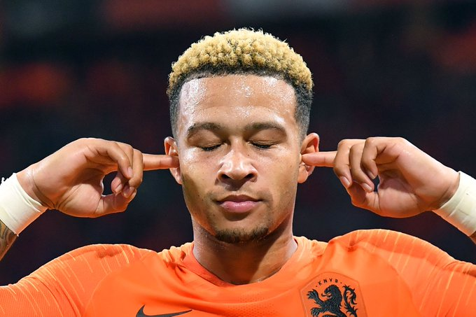 Memphis Depay vs. Germany: 86% asilimia ya pasi 45 aligusa mpira 5 mashuti 3 kutengeneza nafasi 2 alipita mabeki 1 goli 👉😌👈 siwasikii Photo