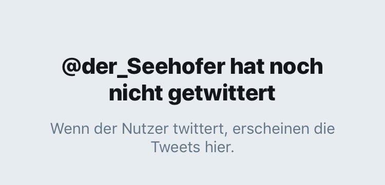 Warten auf @der_Seehofer. #ltwBY18