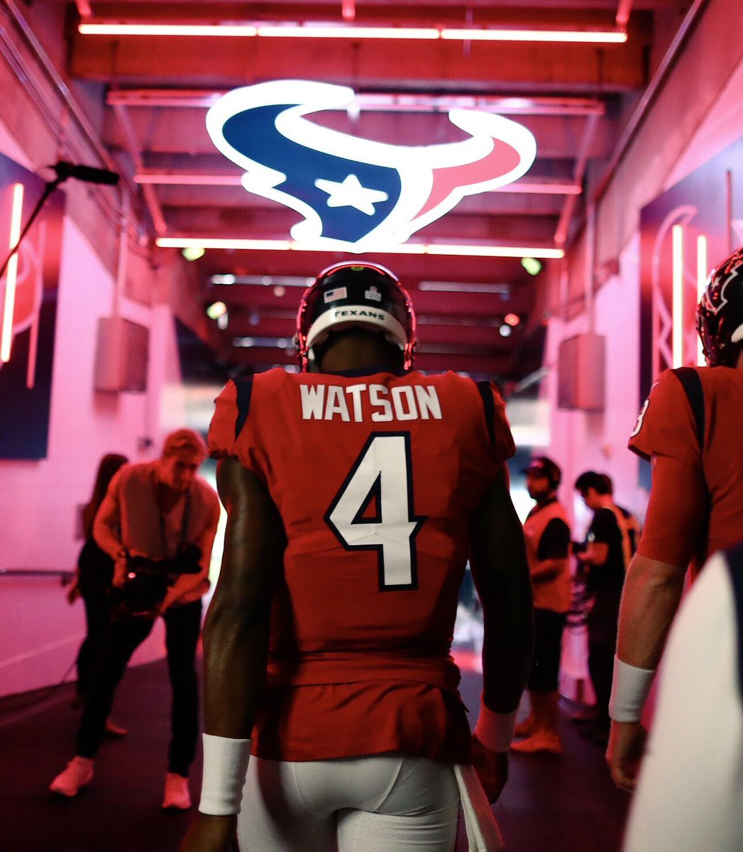 Battle Red today for the @HoustonTexans   #uniswag<br>http://pic.twitter.com/u7WpMzShEv