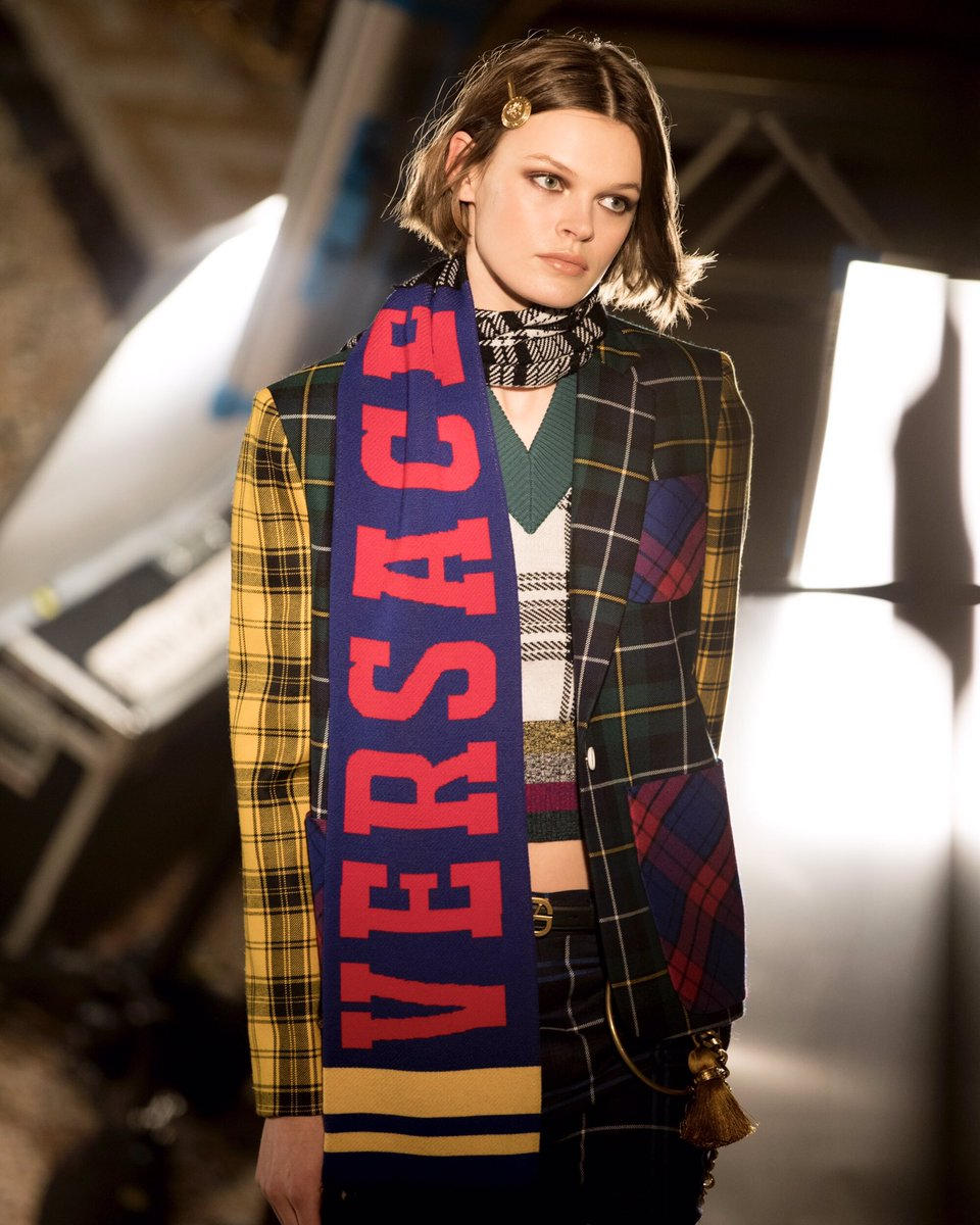 Are you on team Versace?  Join in with mixed tartan formalwear paired with Versace logo knitwear scarves.   Find the #VersaceFW18 collection: https://t.co/A2lieoIwTt