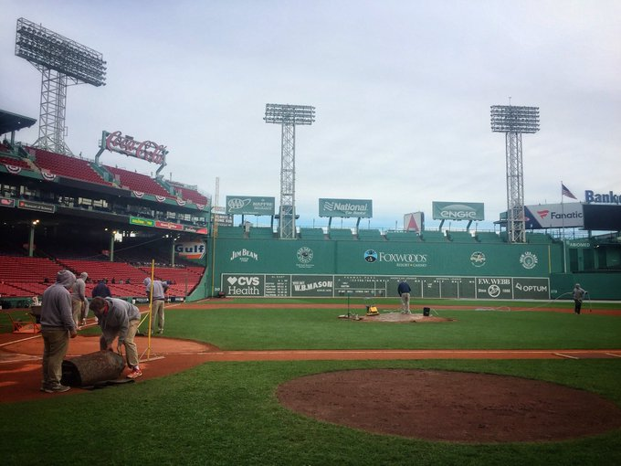 Getting the field ready for Game 2 at #Fenway! @RedSox fans hoping David Price has a good start. #ALCS Photo