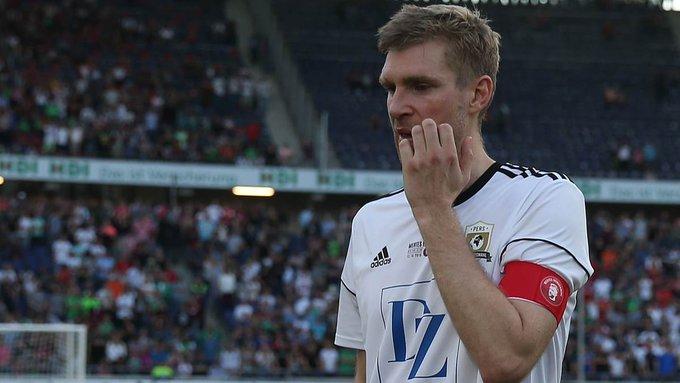 #Mertesacker enttäuscht von Abschiedsspiel-Schwänzern: Das tut schon weh! #MertesHomecoming ➡️ Foto