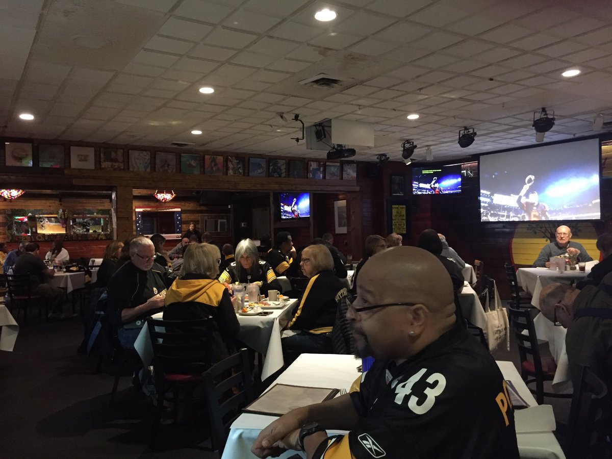 Steelers hangouts in Maryland Herron ready #HereWeGo  @OuttaTheWayCafe #SNUpeoud <br>http://pic.twitter.com/SiiL4CfMPp