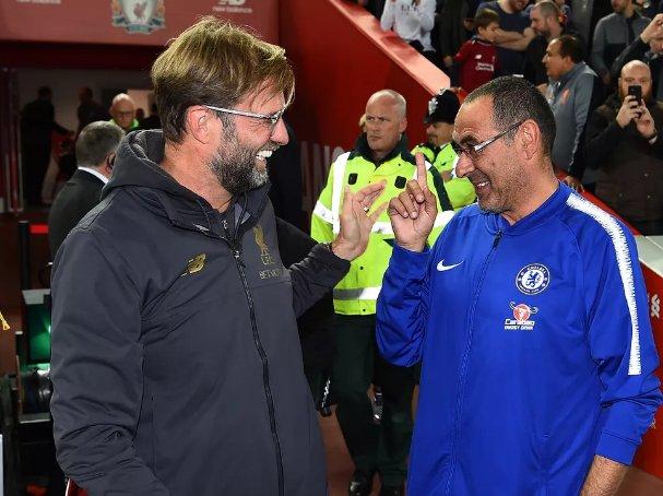 Maurizio Sarri :  'Le match contre Liverpool était extraordinaire. J'ai vu Klopp regarder vers moi. Je lui ai demandé : 'Pourquoi rigolez-vous ?' Il m'a répondu : 'Ne prenez-vous pas du plaisir ?' J'ai dit : 'Si beaucoup' Il a répondu : 'Moi aussi'. Il perdait à ce moment-là'.