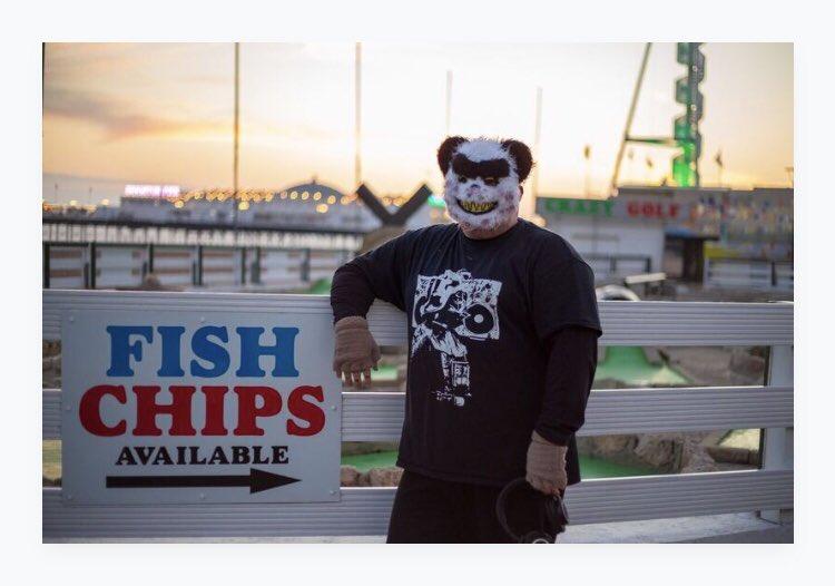 Pic from @bear_byepolar first ever photo shoot. Thanks @HiSanderson 📷❤️🎧🐻🐼 #photoshoot #djpics #maskeddj #djshots #bear #photography #brighton #brightonandhove #sussex