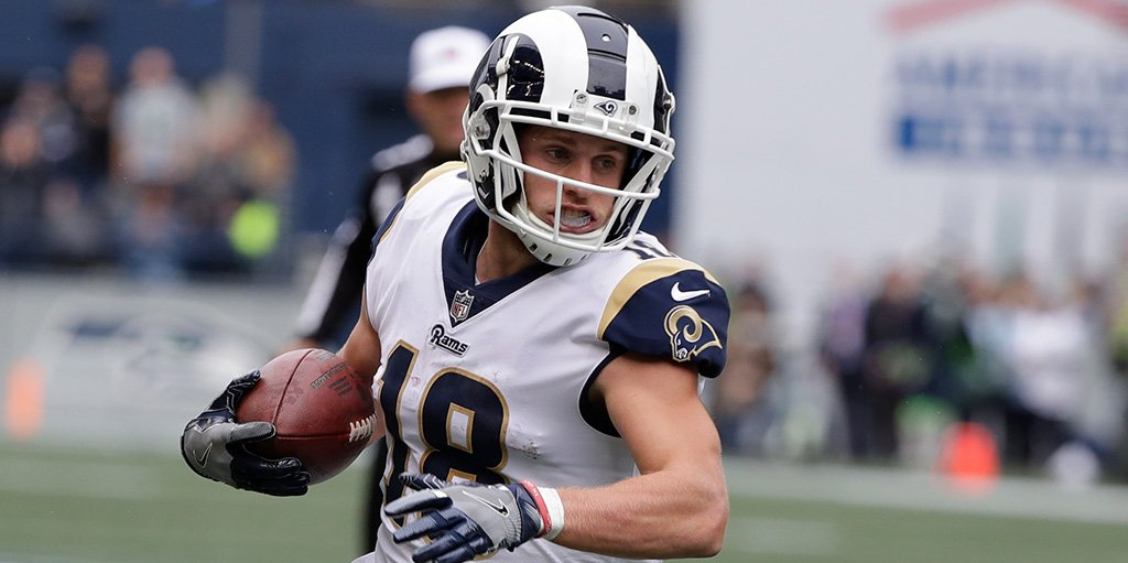 Rams WR Cooper Kupp carted off field with knee injury vs. Broncos https://t.co/nxtOcIKre0 https://t.co/TMFa86Xc52
