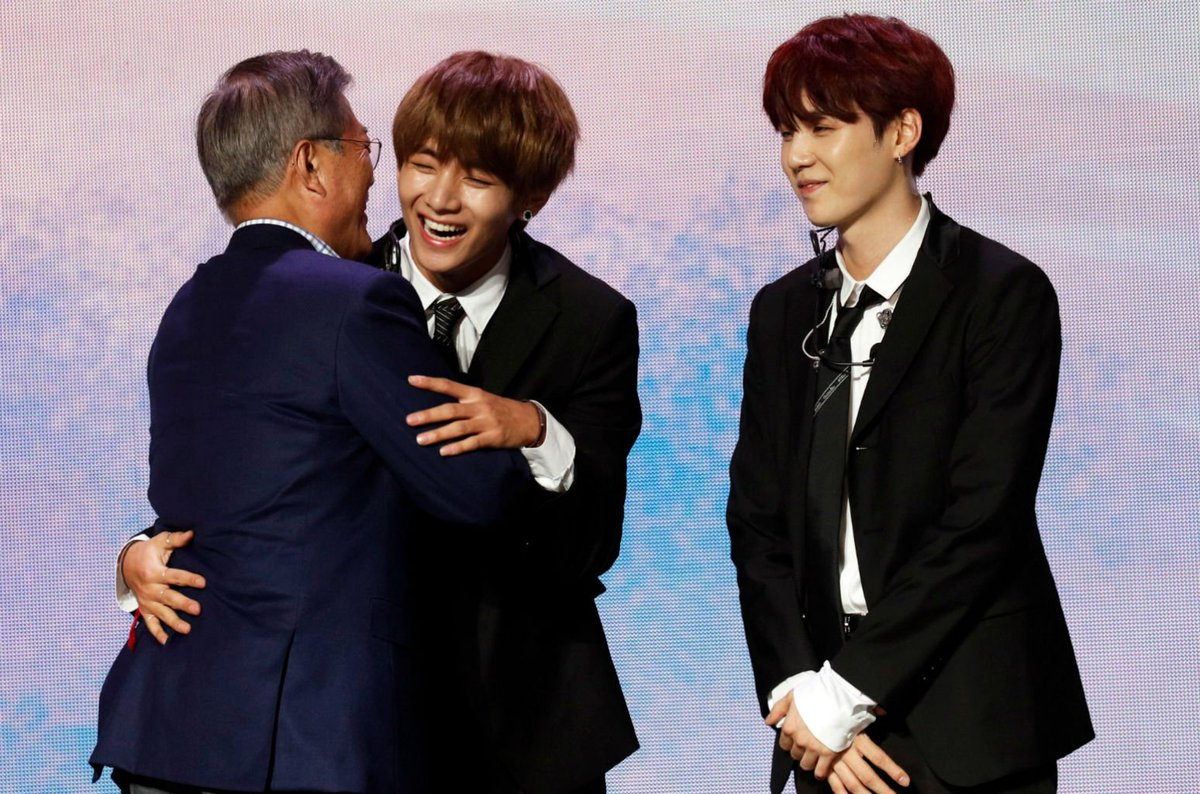 .@BTS_twt performs at Korea-France friendship concert in Paris with South Korean President in attendance https://t.co/WUPKtDkunT