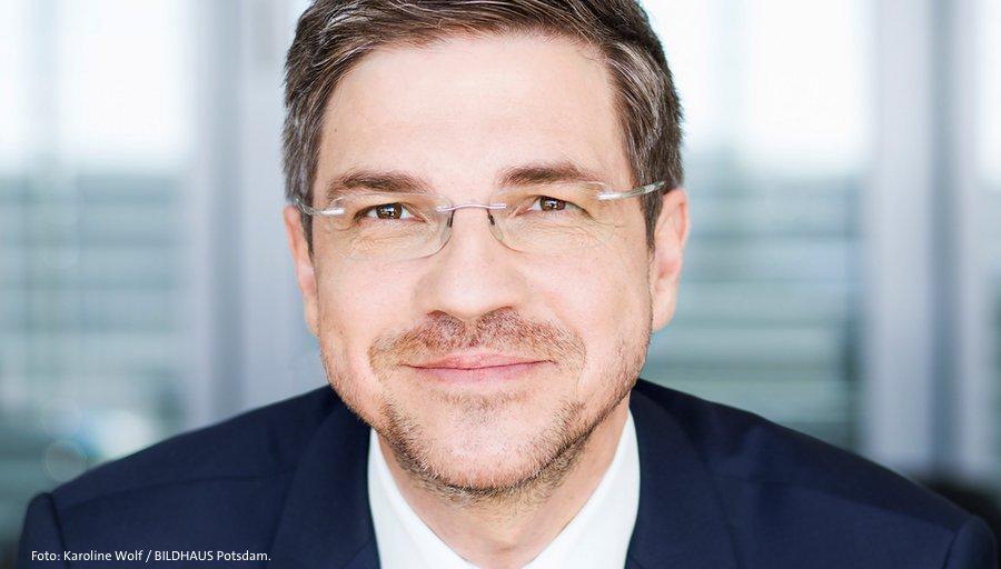 Herzlichen Glückwunsch, Herr Oberbürgermeister! Wir gratulieren @Mike_Schubert zur gewonnenen Stichwahl in #Potsdam! #OBwahlPotsdam