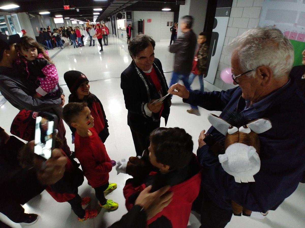 ❤️🖤 Muita mágica (literalmente) aqui no #DiaDasCrianças do Caldeirão! #MeuFuracão