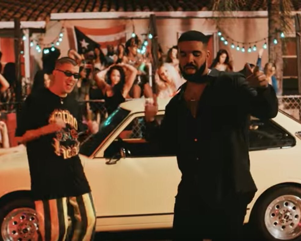 Drake &amp; Bad Bunny&#39;s &quot;MIA&quot; is now the first spanish song to hit No. 1 on Apple Music US <br>http://pic.twitter.com/KMVuTD1V3m