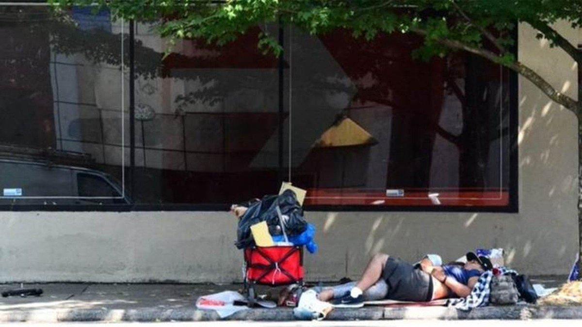 Aumento do número de sem-teto nos EUA é 'bomba-relógio' https://t.co/YMT7esbWXf #G1