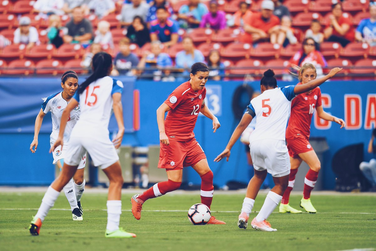 Finally found that goal, and who else but Christine Sinclair?  nabs a 1–0 lead before the half, and Sinc scores #176.  #CWC<br>http://pic.twitter.com/EcMCMpsfty
