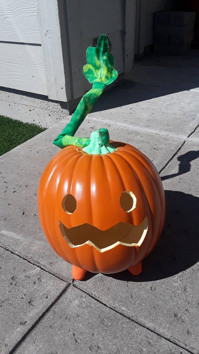 Everyone's posting their pumpkins, so here my Pumpkin🧡 and I love her!😍 @rebeccasugar @cartoonnetwork #StevenUniverse #Pumpkin #Halloween